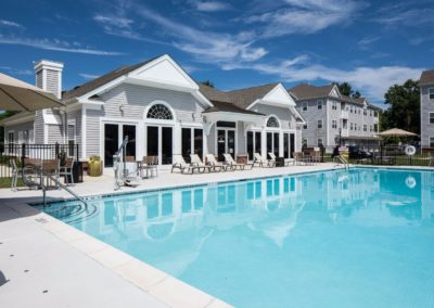 resort style swimming pool at Jacksonville Station apartments in Warminster.
